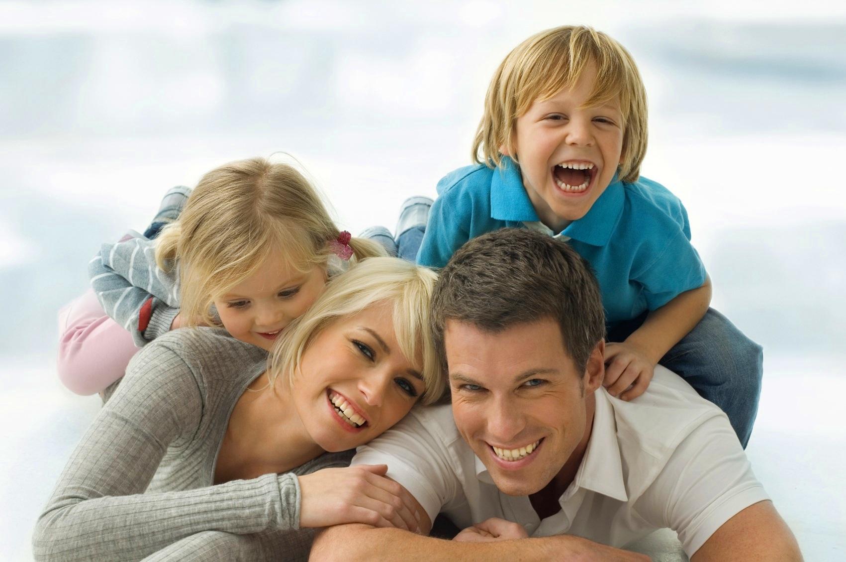 быстрый интересные картинки о детях и семьях первый раз